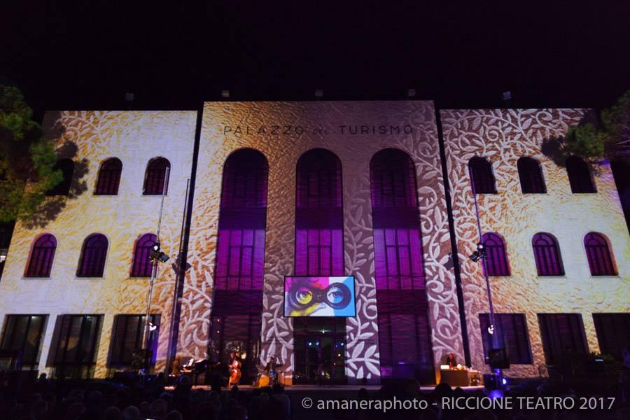http://www.anticaproietteria.it/wp-content/uploads/2020/04/premio-riccione-teatro-2017_4-1.jpg